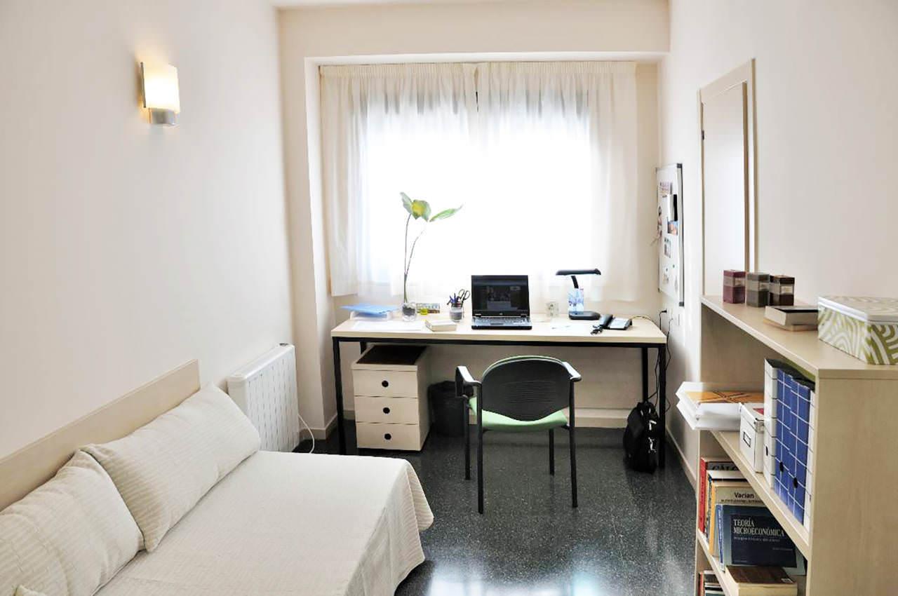 Universidad Autonoma De Madrid Rooms