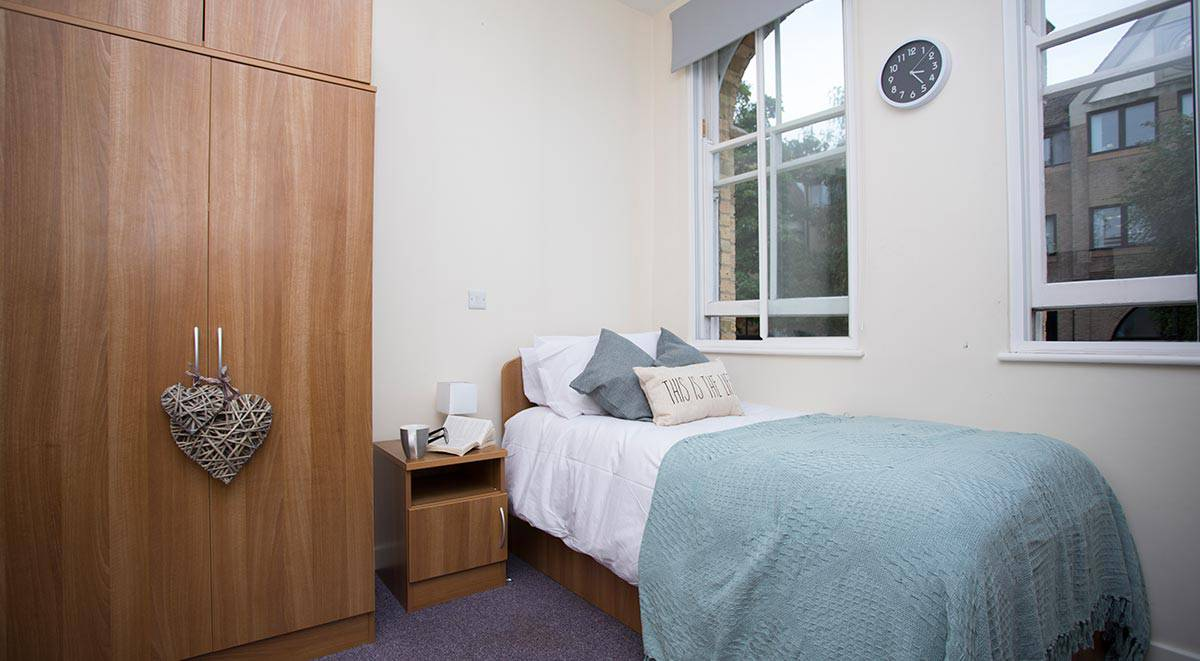 Oxford Brookes Student Room Reviews