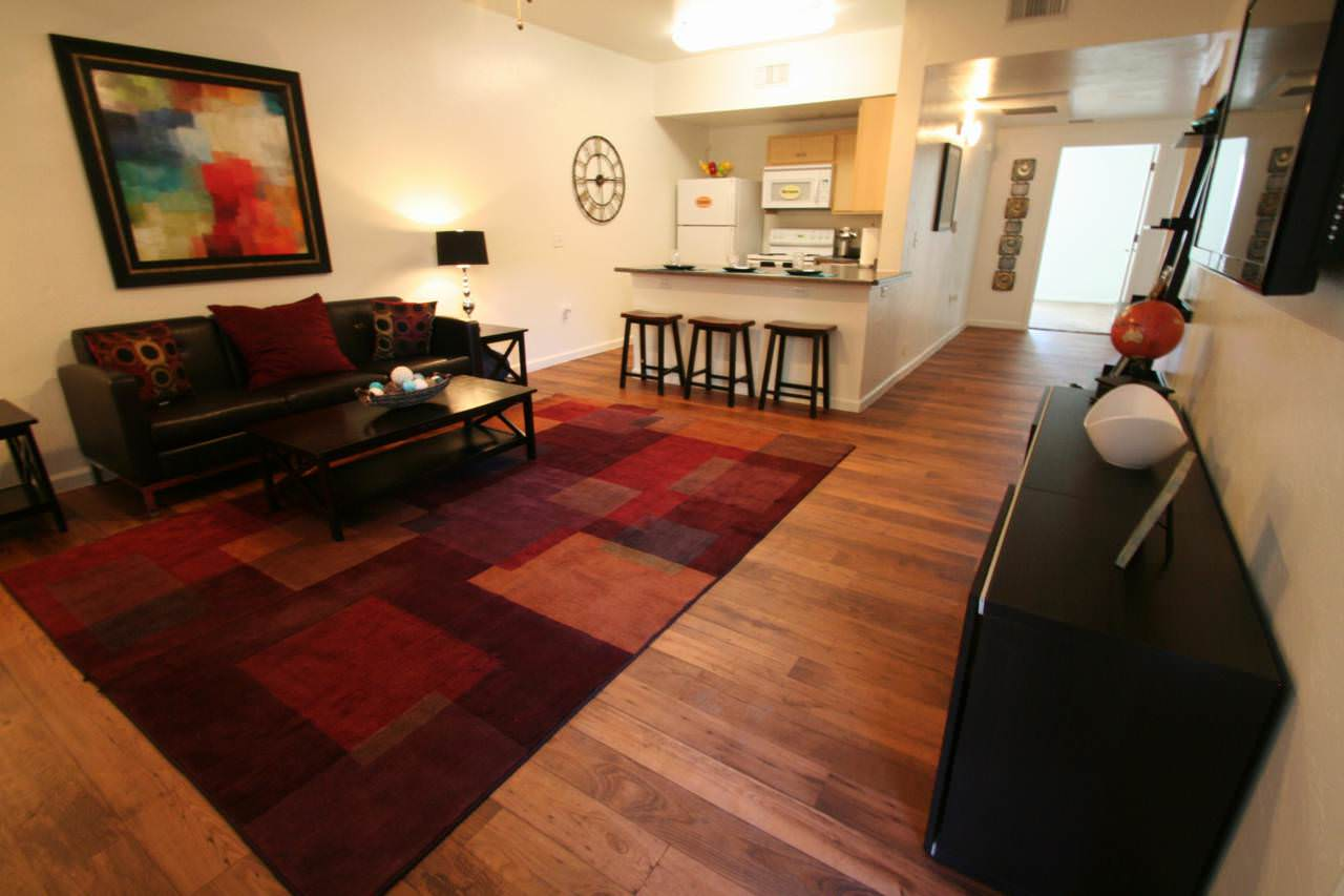 The seasons apartments tucson student housing reviews for The hub tucson apartments